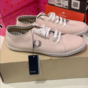 Fred Perry size 7.5